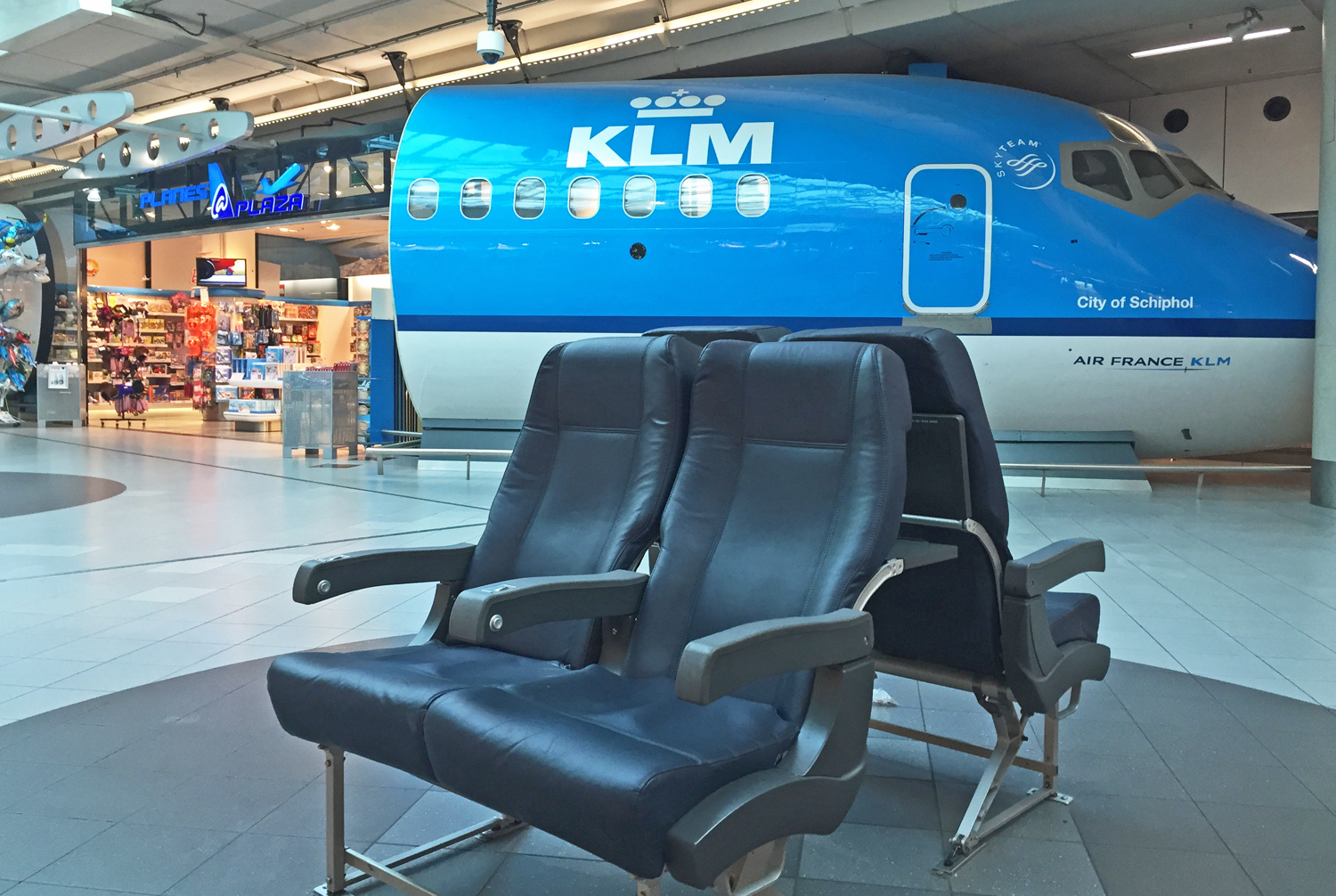 schiphol airport to amsterdam city centre