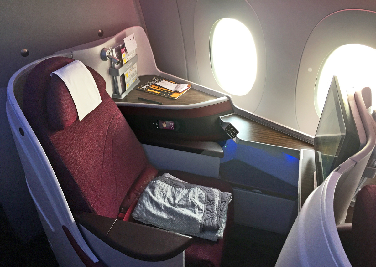 Transportation Collectables Knowledgeable Qatar Airways First Class Pjs In-flight Gifts/ Amenity Kits