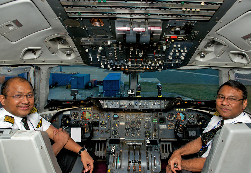Biman DC-10 cockpit