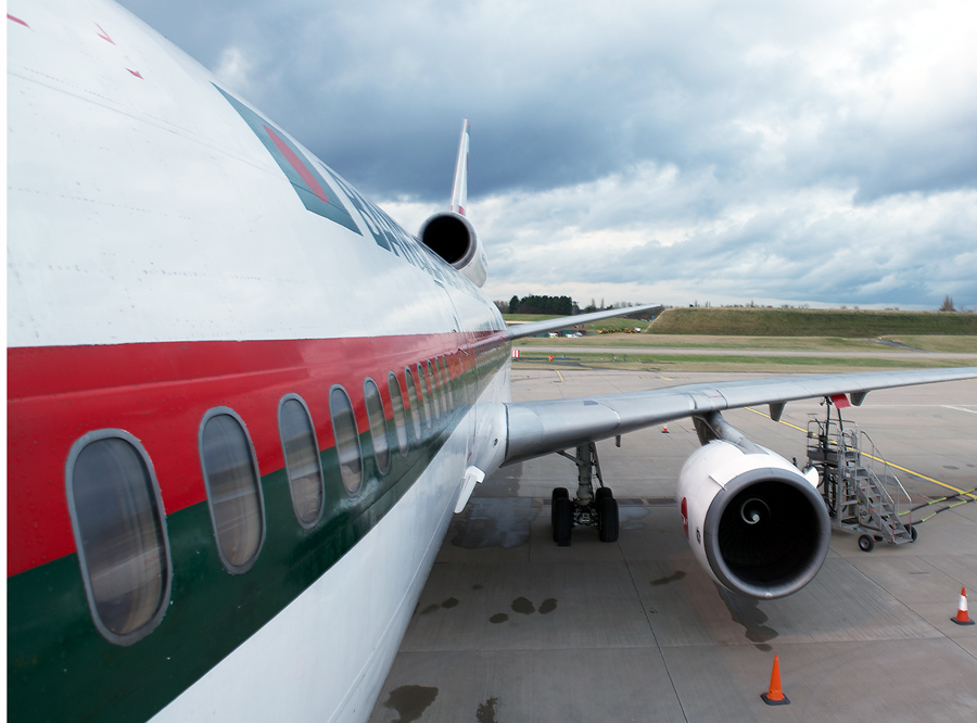 Biman DC-10 port side