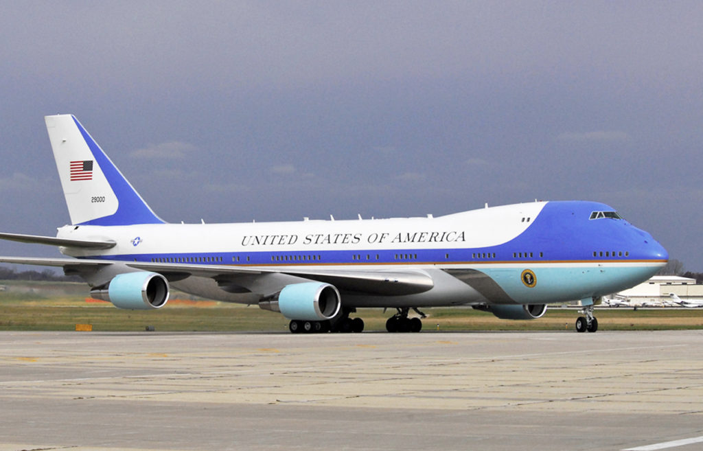 sélection premium 66b95 9960e Statecraft: Trump Unveils New Air Force One Livery